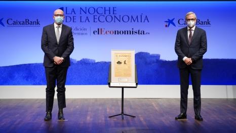 Ángel Vila, consejero delegado de Telefónica y Javier Pano, director ejecutivo de Finanzas CaixaBank